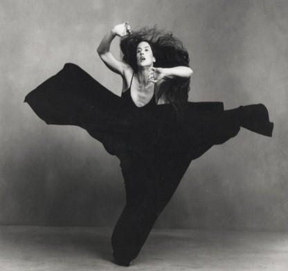Photographie artistique en noir et blanc de danse de Margie Gillis.