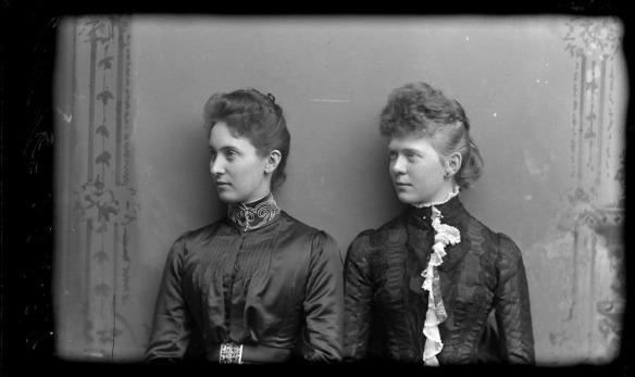 Mesdemoiselles Sparks et Magee, 1889