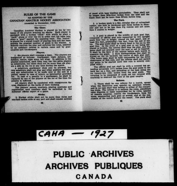 Reproduction d'un livre de règlements adopté en 1927 par l'Association canadienne de hockey amateur.
