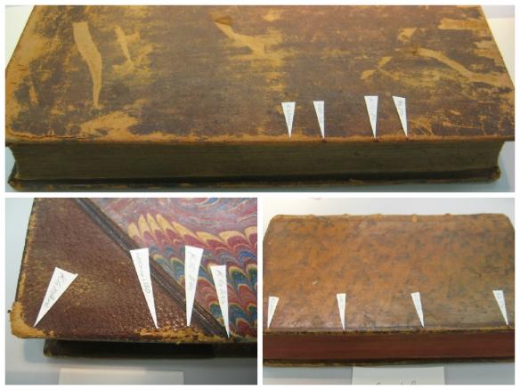 Collage de trois photographies en couleur, chacune montrant un livre avec des petits drapeaux blancs dessus. Les drapeaux indiquent les zones qui ont été testées avec les agents de consolidation.