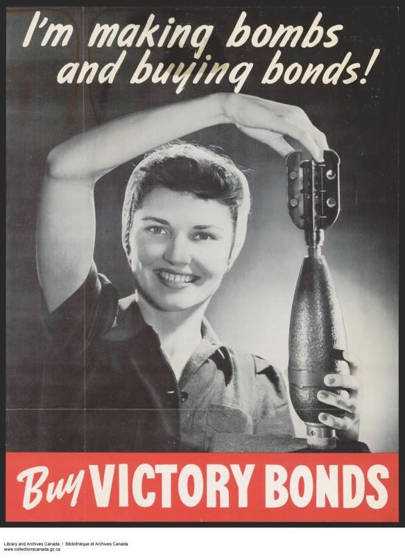 Affiche en couleur avec une photo en noir et blanc d'une femme tenant une bombe dans ses mains avec la légende: «Je fabrique des bombes et j'achète des obligations!». Sous la photo, en lettres blanches sur fond rouge : « Achetez des obligations de la Victoire ».