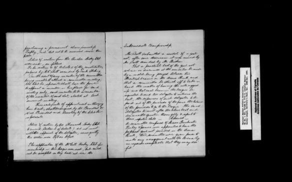 Une reproduction en noir et blanc d'un cahier de note écrit à la main avec le titre « championnat intermédiaire » [Intermediate Championship]
