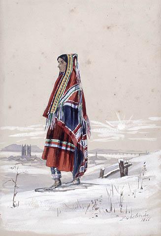 Aquarelle montrant une femme vêtue d'une robe rouge avec une couverture enroulée autour de la tête et des épaules. Elle porte des raquettes et regarde vers la gauche. Derrière elle, au loin, on aperçoit la silhouette d'une église et une montagne derrière elle.