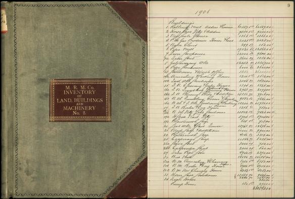 Image couleur montrant la couverture du registre d'inventaire des terrains, des édifices et de la machinerie, et image de la page 9 de l'année 1906.