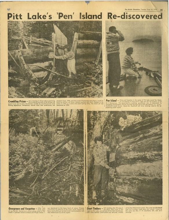 Un article de journal intitulé « Pitt Lake's 'Pen' Island Re-discovered » (« Redécouverte de l'île du Pen sur le lac Pitt ») accompagné de quatre photographies en noir et blanc du camp de travail en piteux état.