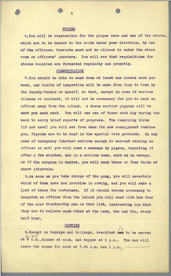 Une page dactylographiée et ronéotée décrivant les modes de communication réguliers et urgents à employer avec les pigeons voyageurs entre l'île Goose et le pénitencier de New Westminster.