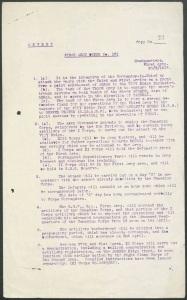 Deux pages de commandes dactylographiées et miméographiées décrivant la cible, les armées utilisées, la date et l'heure de l'attaque (« Jour Z »), l'utilisation de l'artillerie, l'utilisation de tactiques trompeuses pour masquer l'ampleur de la force de frappe, les plans d'urgence concernant le retrait des troupes allemandes avant le jour Z et l'emplacement du principal quartier général avancé de l'armée en date du 4 avril.