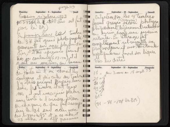 Entrée manuscrite dans un journal expliquant la production d'un timbre.