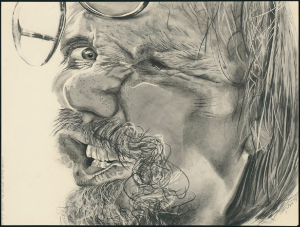 Un dessin au crayon du visage d'un homme pressé contre un morceau de verre. La majorité de son profil gauche est indiscernable, mais son œil droit est extrêmement concentré.