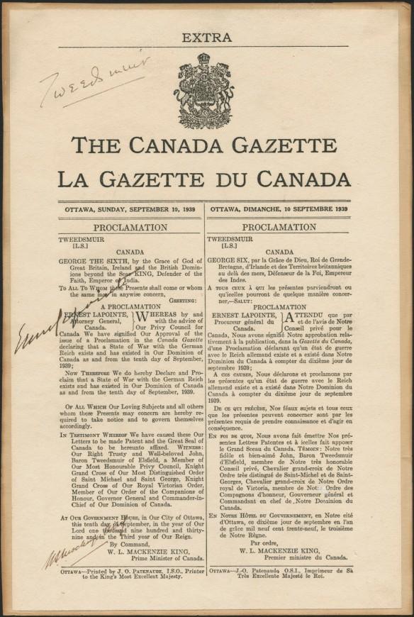 Déclaration de guerre au Reich allemand, imprimée et bilingue, avec trois signatures manuscrites.