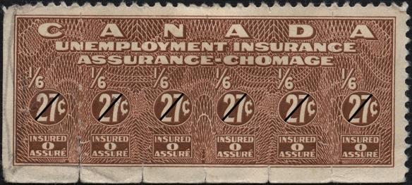 Une photographie couleur d'un timbre brun-rouge portant le texte suivant : Canada. Unemployment Insurance. Assurance-chômage. 1/6 27¢. Insured 0 Assuré.