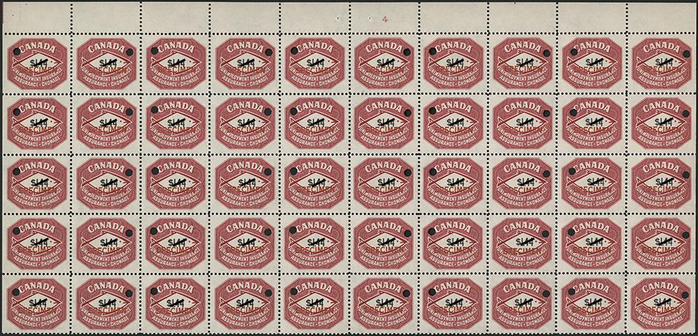 Une photographie couleur d'un bloc de 50 spécimens de timbres d'assurance-chômage rouges.