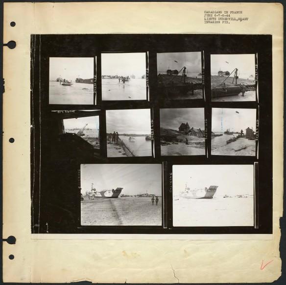 Une page de photographies noir et blanc montrant une péniche de débarquement, des défenses ennemies détruites, des habitations et des sites de débarquement sur la plage.