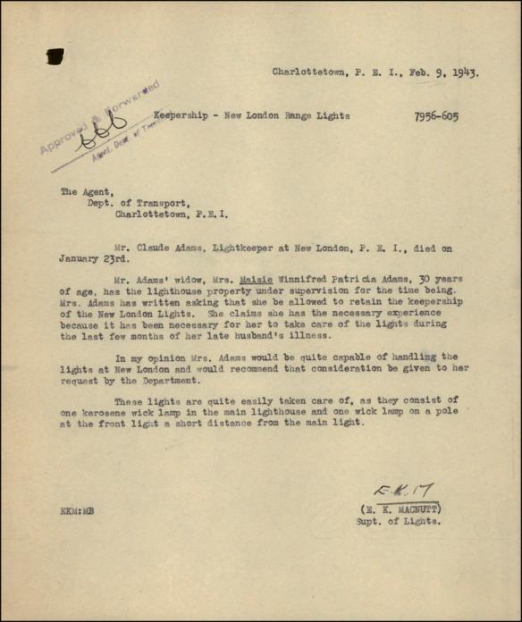 Trois pages de texte manuscrit à l'encre bleue sur du papier à lettres blanc cassé. Le coin supérieur droit de la première page porte les sceaux officiels.