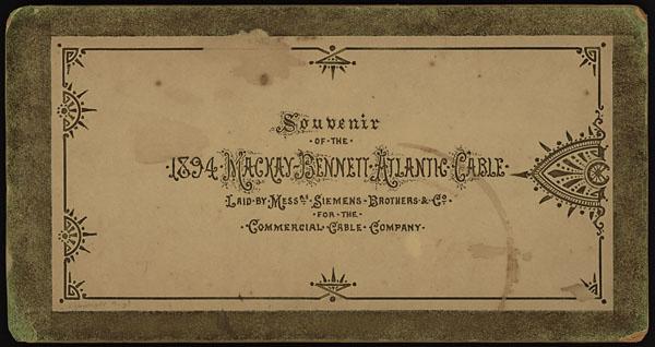Couverture d'un album souvenir relatant l'installation du câble transatlantique de la société Mackay-Bennett, en 1894.