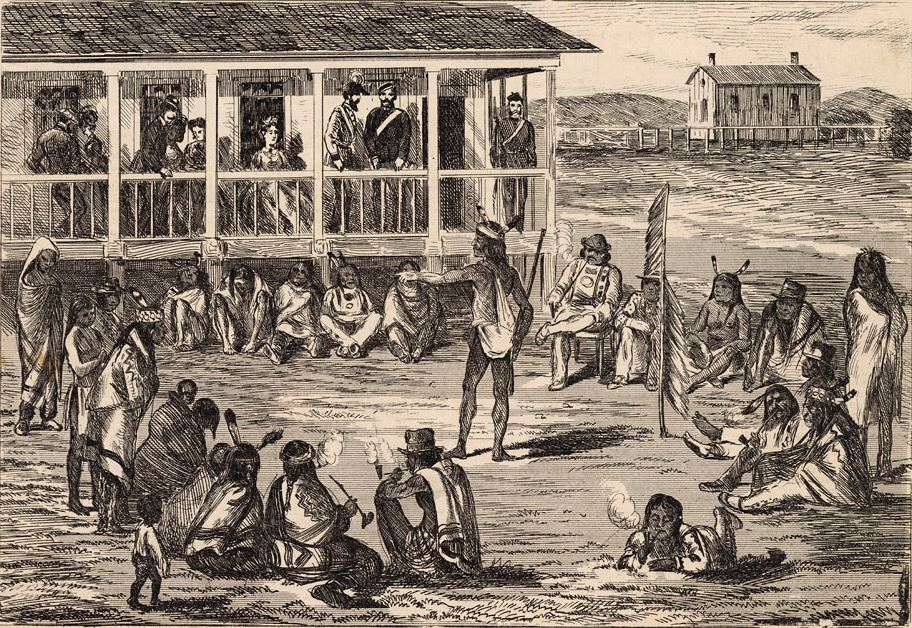 Dessin montrant des personnes assises autour d'un orateur debout. À l'arrière-plan se trouve un bâtiment avec des personnes assises ou debout sur le balcon.